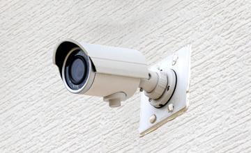 Panasonic製の屋外用防雨型防犯カメラ